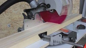 Cutting the solid wood for frame struts