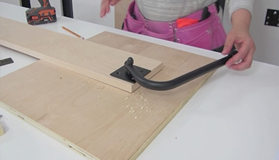 setting up legs on wall bed